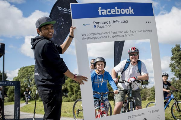 facebook-cut-out